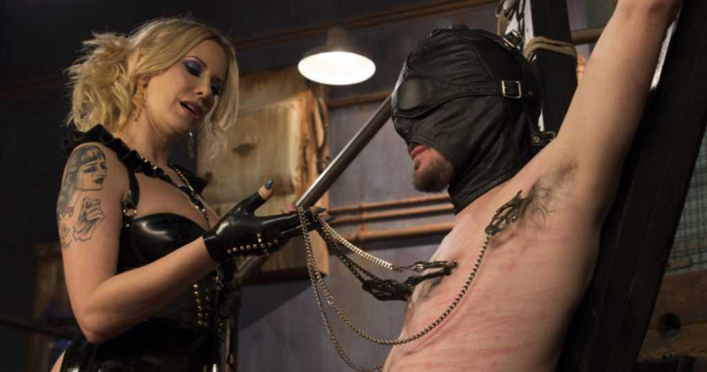 mistress matura e schiavo sottomesso